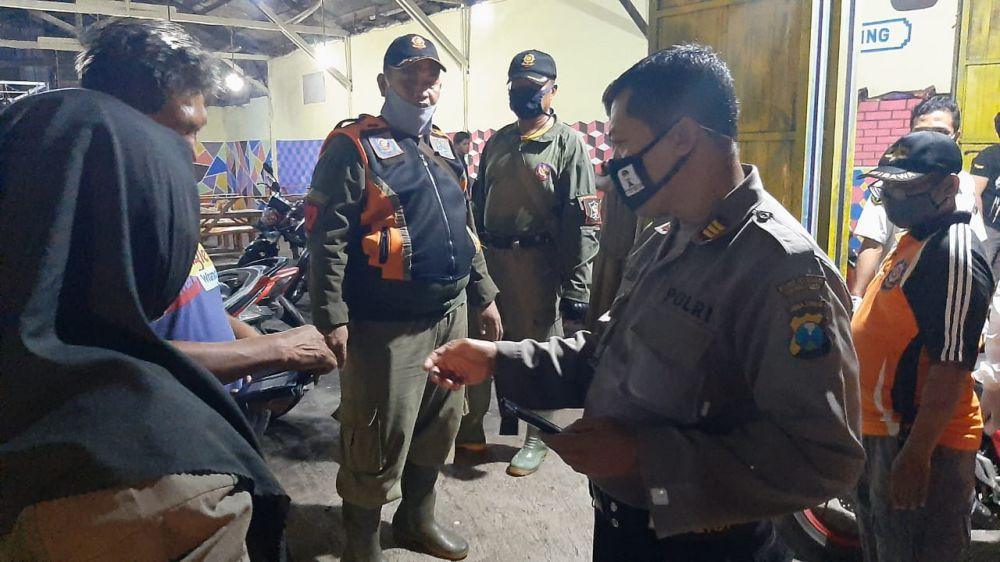 Langgar Jam Malam, 7 Orang Pengunjung Warkop Digelandang Polisi