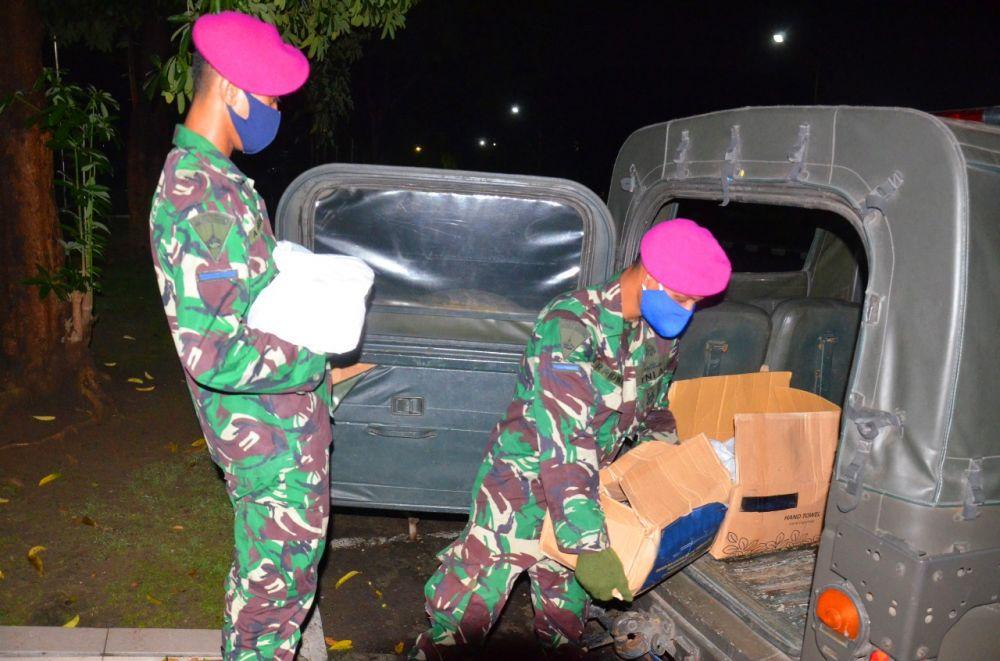 Dampak Covid-19, TD Menart 2 Marinir Sisihkan Uang Saku Untuk Berbagi