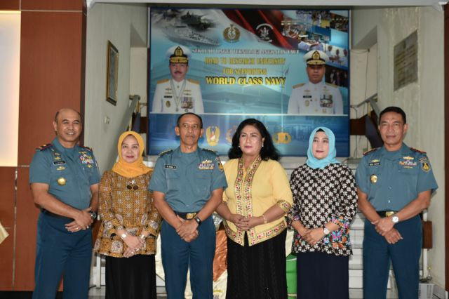 Komandan STTAL Melepas  Kolonel Laut (T) Y. B.  Anang Suhardianto, SM
