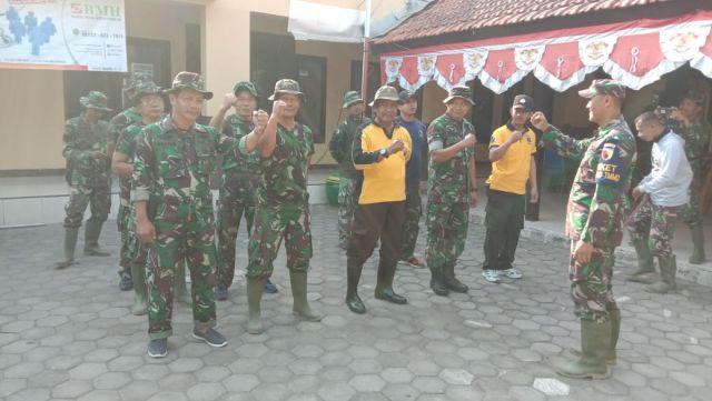 Arahan Babinsa dan Kepala Desa Kupang untuk Penyemangat Kerja