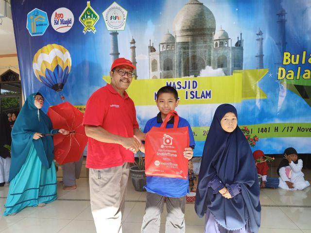 IndiHome Support Bulan Dakwah Dalam Ukhuwah di Masjid Nurul Islam