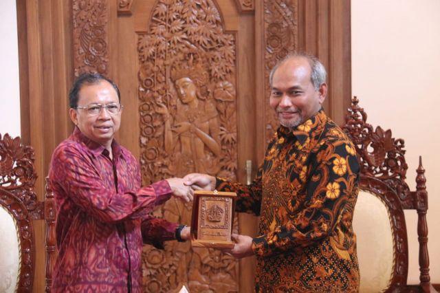Pemprov Bali Targetkan 2020 Kebijakan Energi Bersih