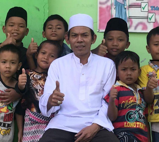 Bawaslu Terkesan Membiarkan Fenomena Kampanye Gentayangan di Surabaya