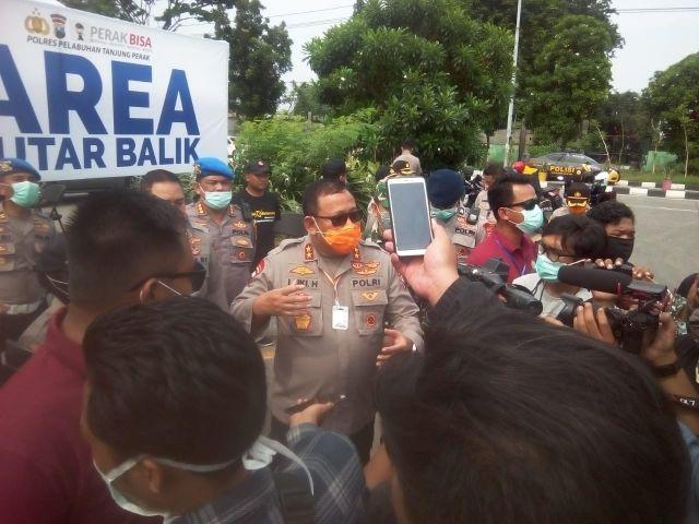 Kapolda Jatim Barsama Kapolres Tanjung Perak Sterilkan Tol Suramadu