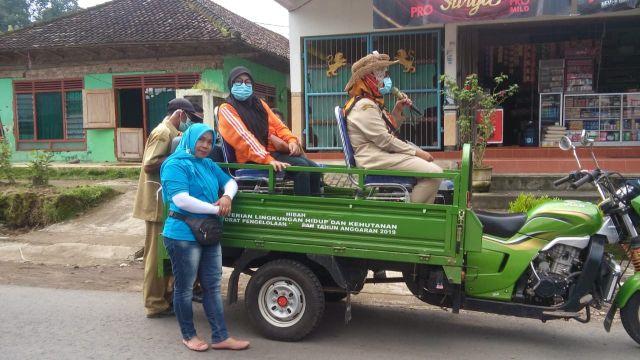 Sosok Bidan Desa Yang Tak Kenal Lelah Mensosialisasikan Bahaya Covid-1