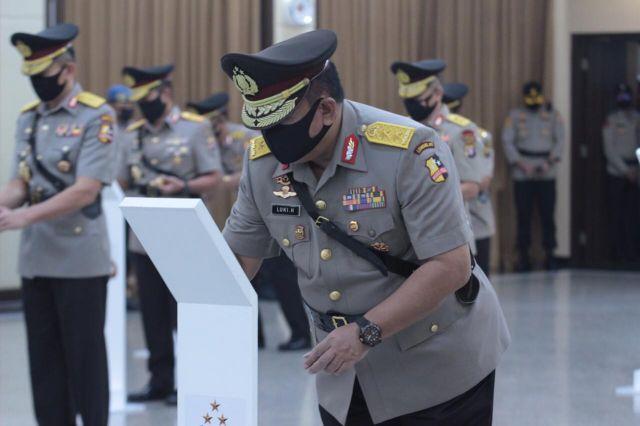 Tongkat Kepemimpinan Polda Jatim Resmi Diserah Terimakan