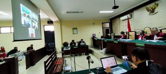 Ibnu Dan Totok Terdakwa Kasus Suap Bupati Sidoarjo Divonis 20 Bulan