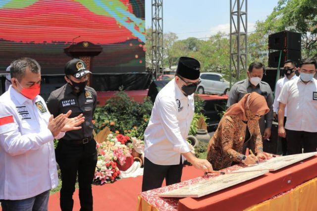 Ketua DPD RI, AA LaNyalla Resmikan Pasar Benteng Pancasila Mojokerto