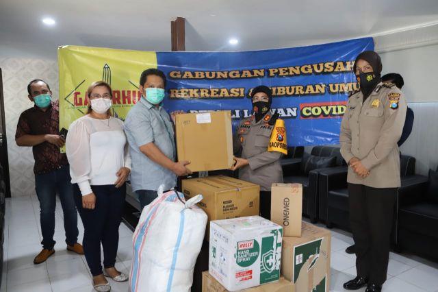 Gaperhu Serahkan Bansos Peduli Cegah Covid-19 Ke Polres Tanjung Perak