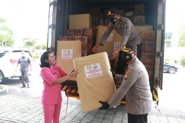 Polda Jatim Kirim Bansos Untuk Korban Banjir Kalsel, Gempa Bumi Sulbar