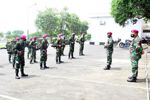 Danmenart 2 Marinir Lepas Satgas TMMD Ke Bondowoso