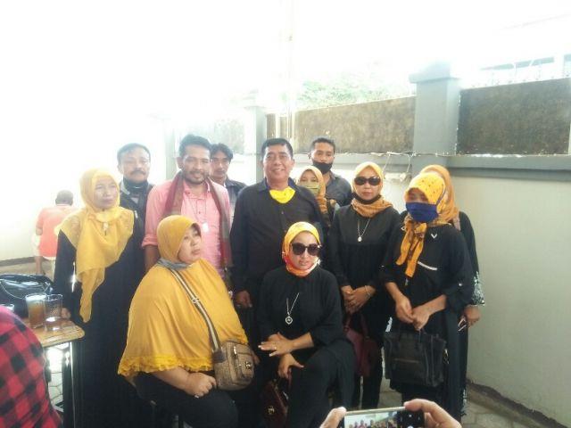 Aktifis Blambangan Ngamuk Di Pengadikan Niaga Surabaya