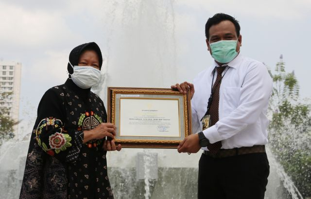 Diterpa Isu Miring, AKBP Memo Dapat Penghargaan Dari Walikota Surabaya