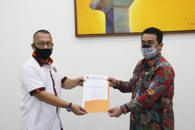 Sekjen MPN Pemuda Pancasila Serahkan SK MPO MPN Ke Wagub DKI Jakarta