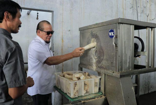 Bertahan Saat Pandemi, LaNyalla Apresiasi UMKM Kripik Singkong