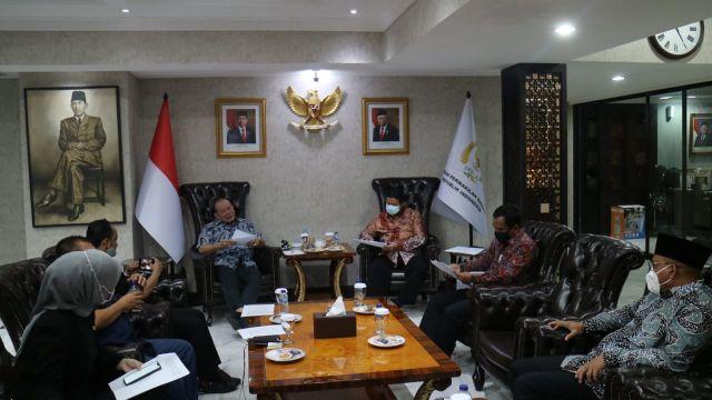 Banyak Temuan di Daerah, Ketua DPD Rapat dengan DKPP